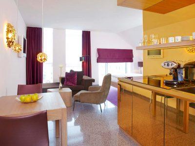 abito suites | Juniorsuite Wohnbereich mit Küche